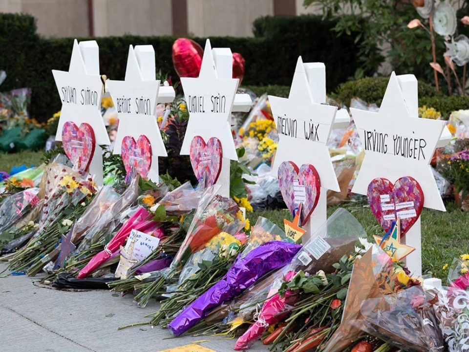 A memorial outside the Tree of Life Synagogue in Pittsburgh on Oct. 30, 2018. (Photo: Andrea Hanks/Official White House Photo/Creative Commons)